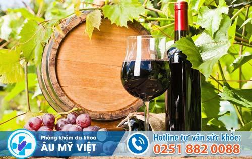 Uống rượu vang đỏ gia tăng hưng phấn, cải thiện chuyện chăn gối cho nam giới
